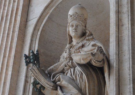 Some say this statue that still stands in Rome is Joanna with a papal crown